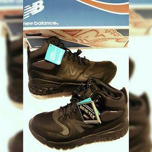 1cb4cf31f9aba New Balance Shoes - New Balance Fresh Foam Paradox GTX Boots Men Sz 9